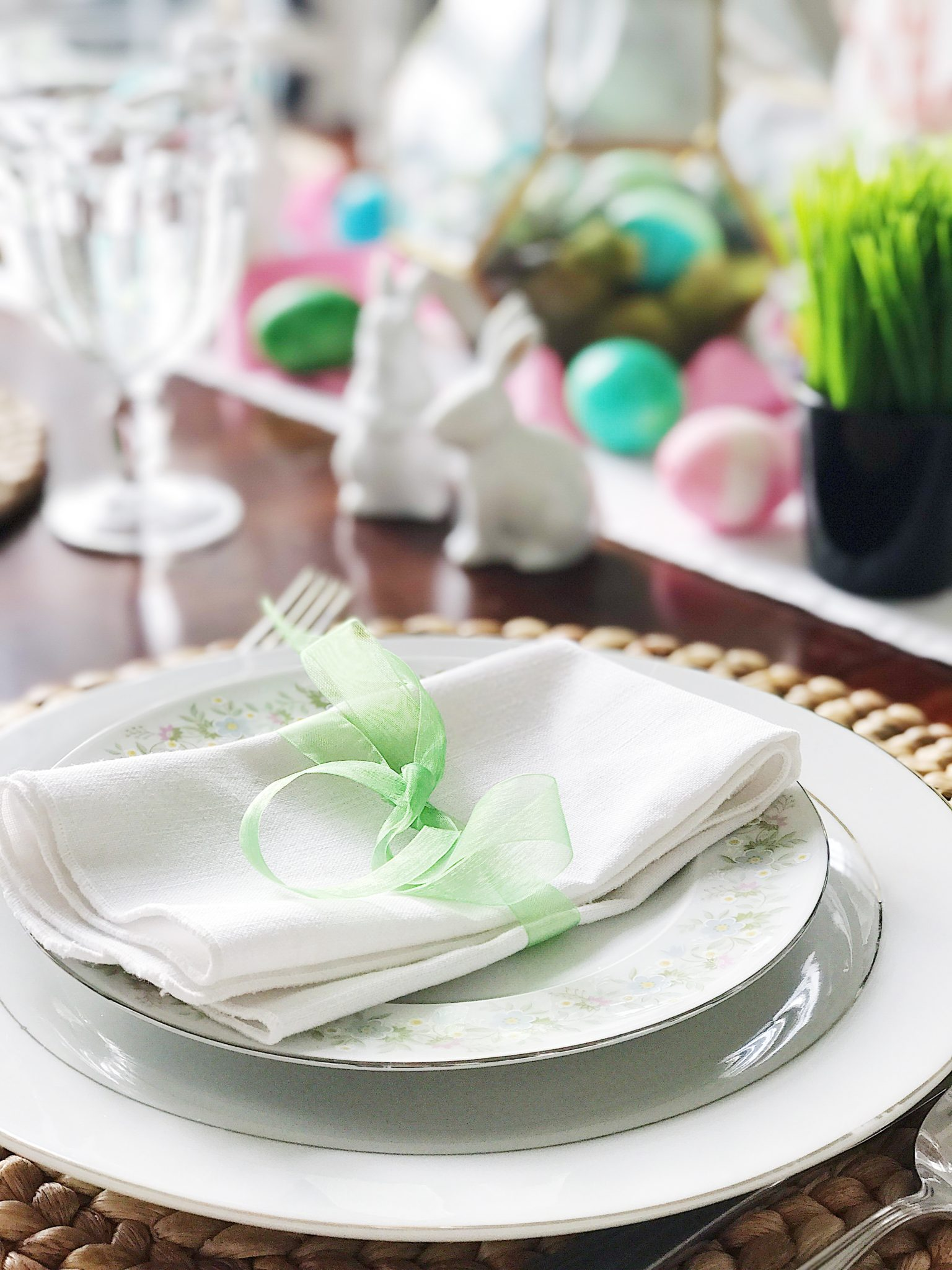 Simple Fresh And Pretty Springtime And Easter Table Setting Ideas Jane At Home