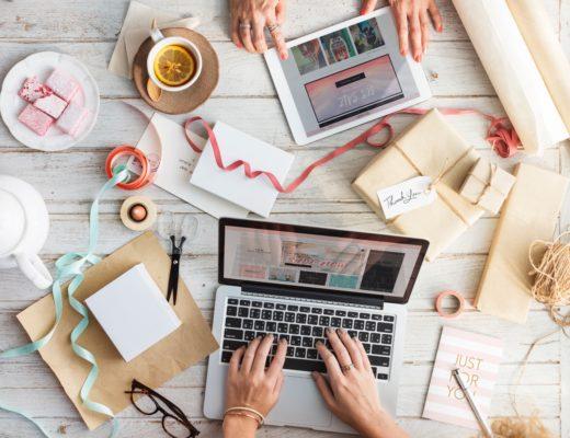 Blogging 101 - Simple Step-by-step tips for starting a blog #blogging #howtostartablog #bloggingtutorial #bloggingtips #blogtips #howto #blogdiy