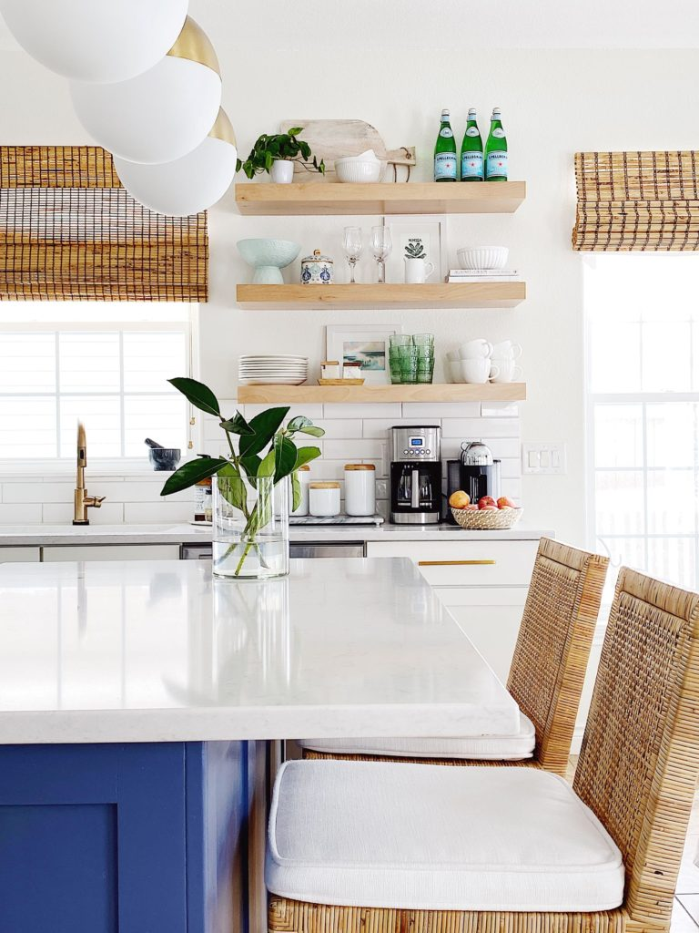 How to Choose the Perfect Counter Stools for Your Kitchen