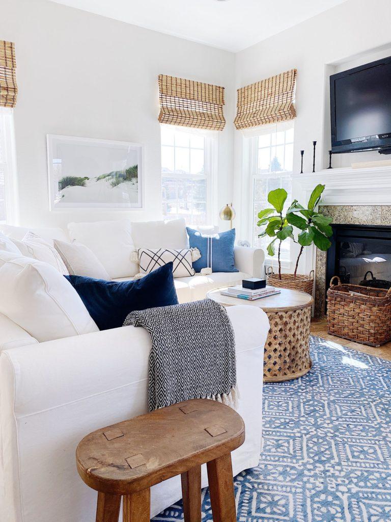 Cozy decorating ideas for the living room - jane at home #livingroomdesign #coastalstyle #coastaldecor #livingroomideas